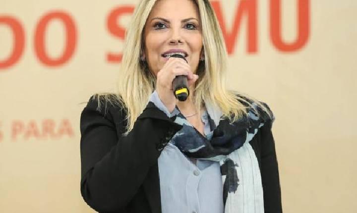 Bolsonaro nomeia mulher de líder do governo em Itaipu