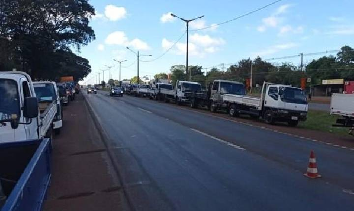 Caminhoneiros iniciam greve no Paraguai contra o aumento dos combustíveis