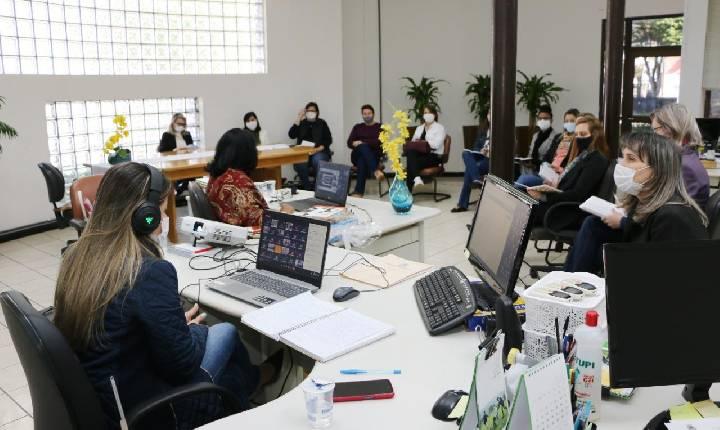 Educação prepara o retorno às aulas presenciais e formação continuada aos professores