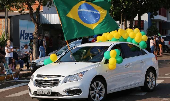 Entidades e empresas são aplaudidas no desfile de 7 de Setembro