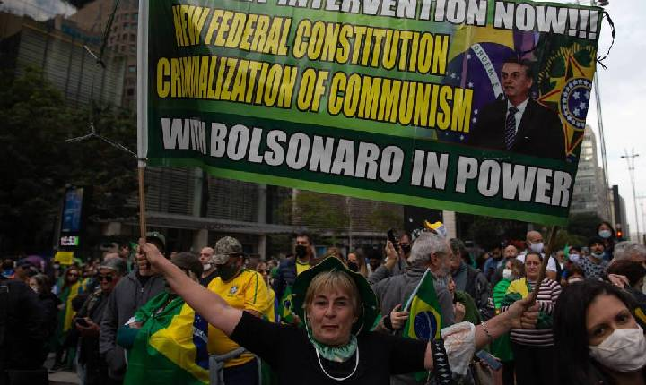 Indiferença com democracia abre espaço para autoritarismo na América Latina, diz pesquisa