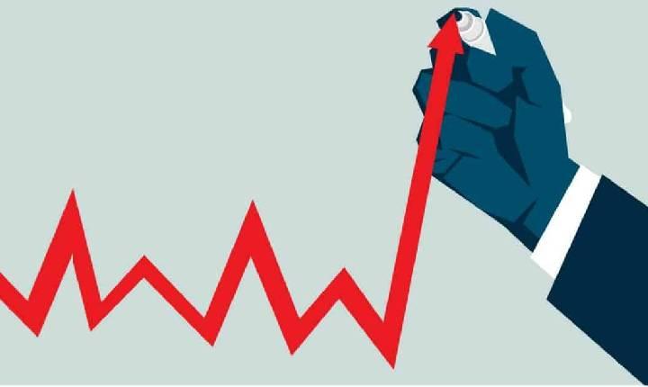 Inflação encosta em dois dígitos após maior alta em 21 anos, puxada por gasolina