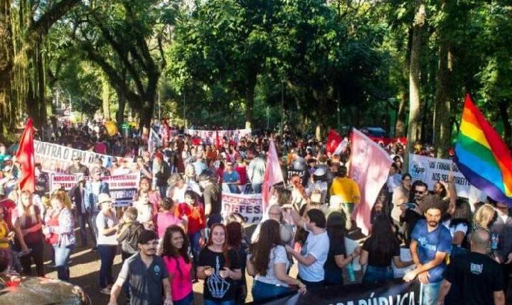 Protesto em Foz vai reunir servidores públicos de todo o Paraná