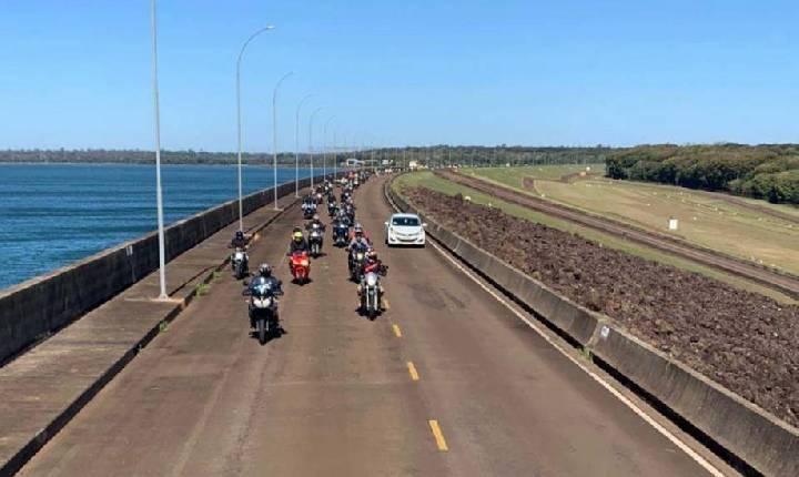 Turismo sobre duas rodas na usina de Itaipu agrada e reúne 113 motocicletas