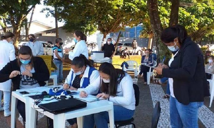 Vacinação para pessoas com mais de 50 anos continua hoje (12) em Santa Helena